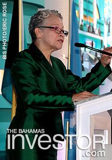 Glenys Hanna-Martin addresses delegates